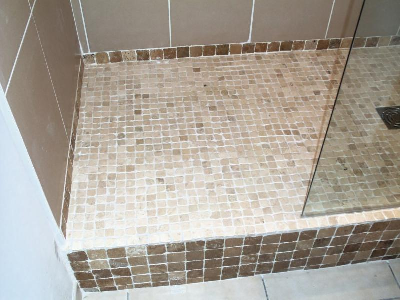 Renovation salle de bain marseille appartemnt douche for Pose carrelage douche italienne