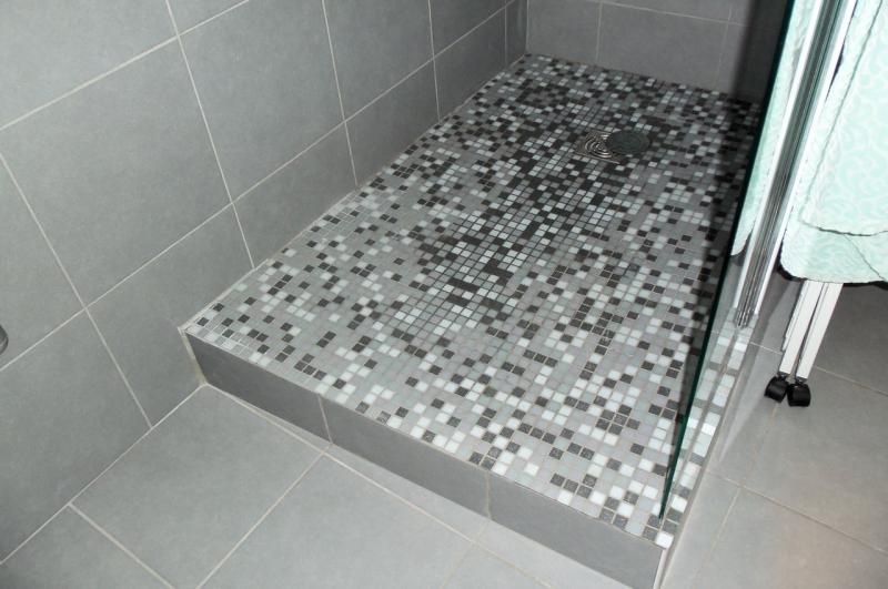 Salle de bain martigues remplacement douche classique gr s douche italienne - Renovation salle de bain marseille ...